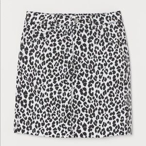 Cow print denim skirt